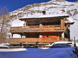 Beautiful House with DVD Player and Fireplace - Val-d'Isère vacation rentals