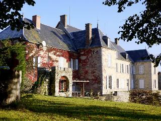 Chateau De Mouney - Le Compas vacation rentals