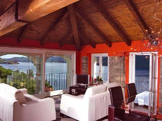 Charming House with Waterfront and DVD Player - Crabbia vacation rentals
