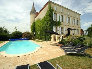 6 bedroom House with Private Outdoor Pool in Le Temple-sur-Lot - Le Temple-sur-Lot vacation rentals