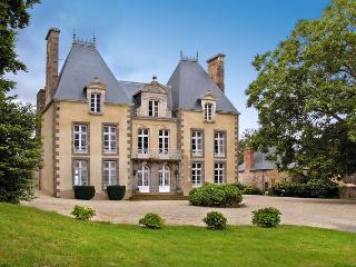 Wonderful House with Internet Access and Shared Outdoor Pool - Combourg vacation rentals