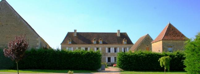 Beautiful House with Private Outdoor Pool and Private Outdoor Pool - Magny-Cours vacation rentals