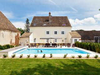 6 bedroom House with Private Outdoor Pool in Navilly - Navilly vacation rentals