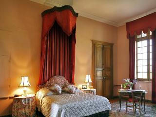 C18th Burgundy Chateau - Lormes vacation rentals