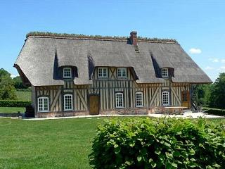 Perfect 5 bedroom House in Saint-Pierre-du-Val with Fireplace - Saint-Pierre-du-Val vacation rentals