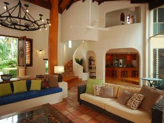 La Casa Mirasol - Port Douglas vacation rentals