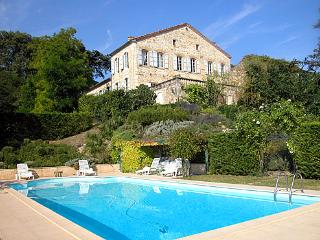 Beautiful 5 bedroom House in Lagraulet-du-Gers with Private Outdoor Pool - Lagraulet-du-Gers vacation rentals