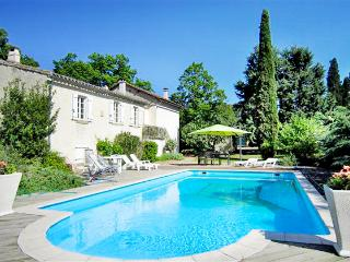 Perfect 3 bedroom House in Saint-Hilaire - Saint-Hilaire vacation rentals