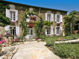 Lovely House with Private Outdoor Pool and DVD Player - Peyriac-Minervois vacation rentals