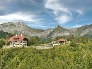 Perfect House in Faverges with DVD Player, sleeps 15 - Faverges vacation rentals