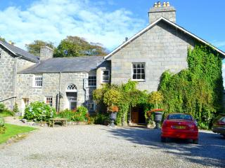 Lovely 10 bedroom Criccieth House with DVD Player - Criccieth vacation rentals