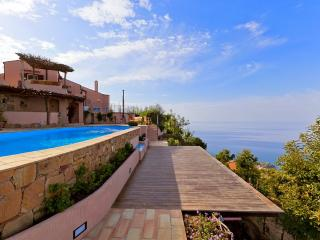 Charming 4 bedroom Pollina House with Internet Access - Pollina vacation rentals