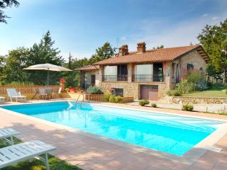 Perfect 3 bedroom House in Umbria with Private Outdoor Pool - Umbria vacation rentals