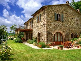 4 bedroom House with Internet Access in Spedalicchio - Spedalicchio vacation rentals