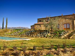 Bright House with Private Outdoor Pool and A/C - Pienza vacation rentals