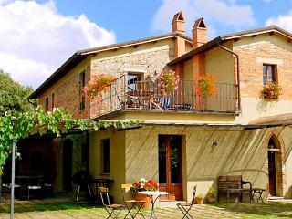 Casa Olive - San Giovanni d'Asso vacation rentals