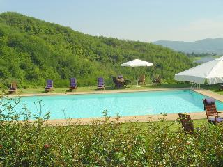 Perfect House with Internet Access and Private Outdoor Pool - Molezzano vacation rentals