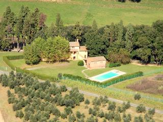 4 bedroom House with Private Outdoor Pool in Santa Lucia Pontedera - Santa Lucia Pontedera vacation rentals