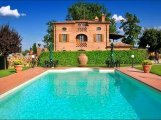 Perfect House with A/C and DVD Player - Foiano Della Chiana vacation rentals