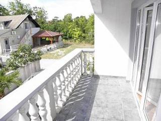4472 A2(4+1) - Sabunike - Nin vacation rentals