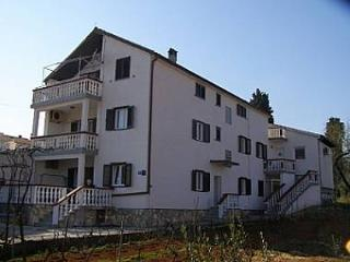 Bright 2 bedroom Kukljica Apartment with Internet Access - Kukljica vacation rentals