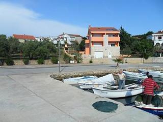 4995 A1(2+2) - Lukoran - Mali Iz vacation rentals