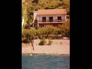 5042 A2(2+1) - Tisno - Island Murter vacation rentals