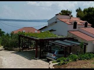 5231 A2-Mali(2+1) - Stomorska - Island Solta vacation rentals