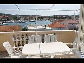 Cozy Apartment with Television and Satellite Or Cable TV - Jezera vacation rentals
