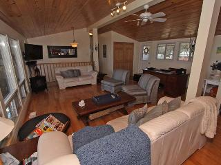Nice Cottage with Internet Access and DVD Player - Keswick vacation rentals