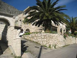 Romantic 1 bedroom Omis Condo with Television - Omis vacation rentals