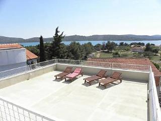5584 A2(2+2) - Pirovac - Pirovac vacation rentals