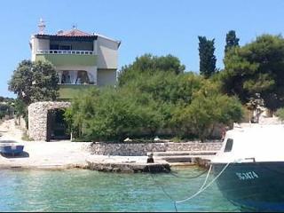 00107SEVI  A2 Olea(4) - Sevid - Sevid vacation rentals