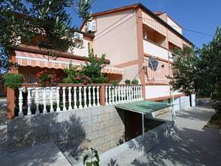 5713 A4 mali(4) - Barbat - Barbat vacation rentals
