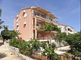 5746  A3 Crveni (2+2) - Lun - Lun vacation rentals