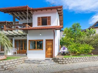 Casa de temporada na Praia Mole - Barra da Lagoa vacation rentals