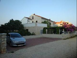 Bright 4 bedroom Vacation Rental in Mirca - Mirca vacation rentals
