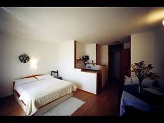 7982  SA5(2) - Bol - Bol vacation rentals