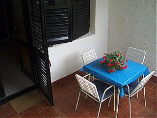 Romantic 1 bedroom Murter Apartment with Television - Murter vacation rentals