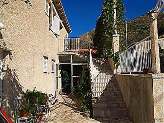 Cozy 2 bedroom Cavtat Apartment with Television - Cavtat vacation rentals