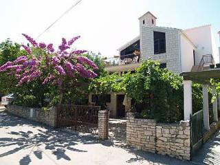 01601MIRC  A1(6+2) - Mirca - Mirca vacation rentals