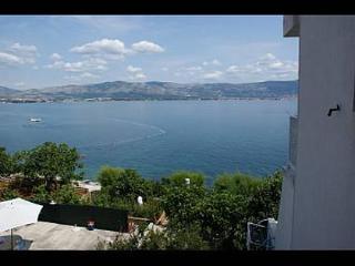 35264 A B1(3+1) - Slatine - Island Ciovo vacation rentals