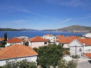 35375  A1(6+2) - Okrug Gornji - Okrug Gornji vacation rentals