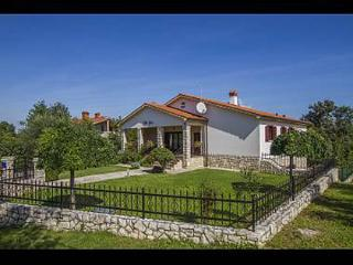 35470 H(8+2) - Nedescina - Nedescina vacation rentals
