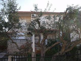 1671  SA2(2+1) - Supetar - Supetar vacation rentals
