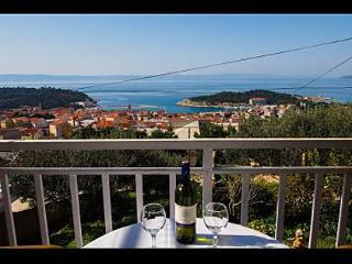 Nice Apartment with Television and Satellite Or Cable TV - Makarska vacation rentals
