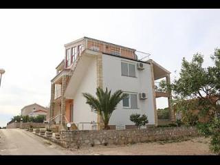 35542  A5(4+2) - Necujam - Island Solta vacation rentals