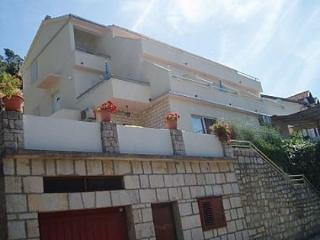 Bright 1 bedroom Vacation Rental in Ubli - Ubli vacation rentals