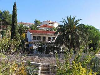 2 bedroom Apartment with Television in Okrug Gornji - Okrug Gornji vacation rentals
