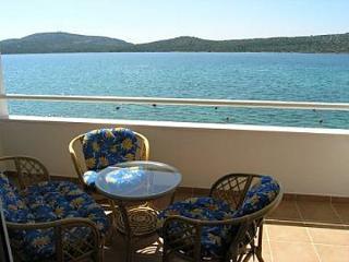 2442 SA6 (2+2) - Pirovac - Pirovac vacation rentals